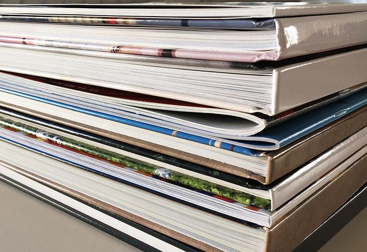 Fotobücher-Stapel